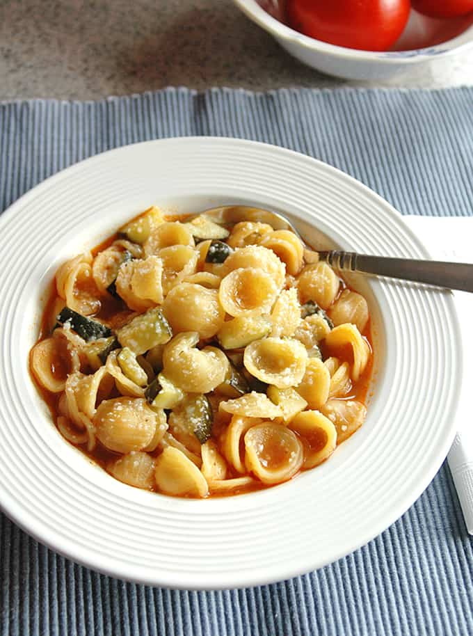 Photo of bowl of Pasta with Zucchin and spoon inside
