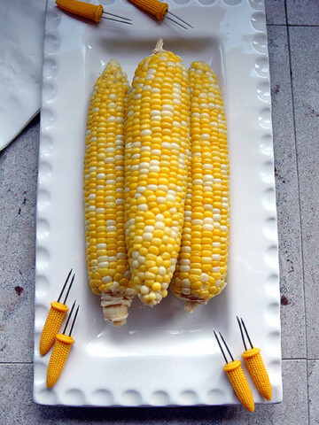 Corn on the Cob on a platter