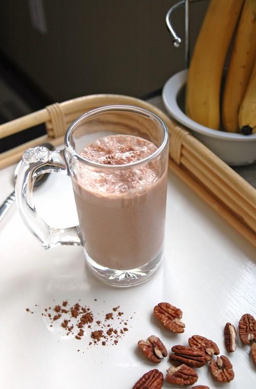Chocolate-Covered Pecan Banana Smoothie