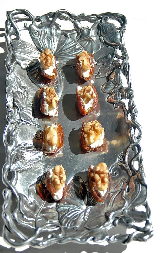 Date-Nut Cream-Cheese Bites