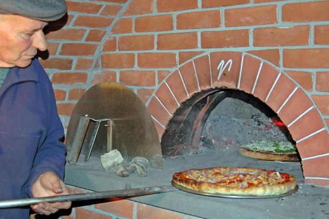 Dad-C-Makes-Pizza