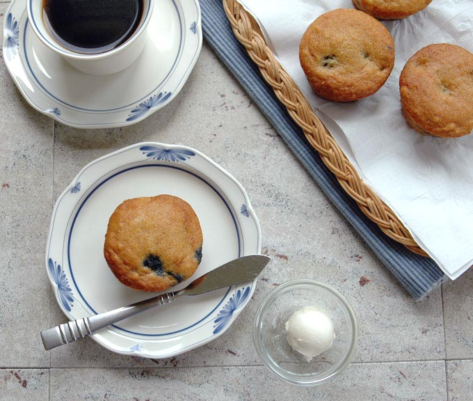 Healthy-Whole-Wheat-Blueberry-Muffins