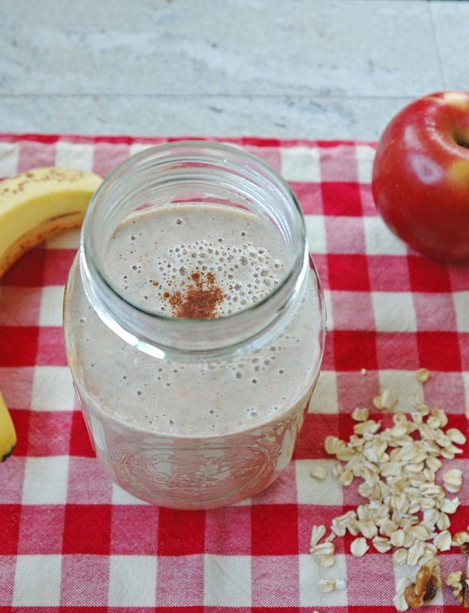 Apple-Cinnamon-Oatmeal-Smoothie