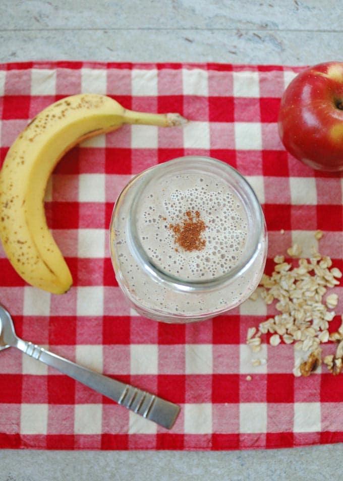 Apple-Cinnamon-Oatmeal-Smoothie