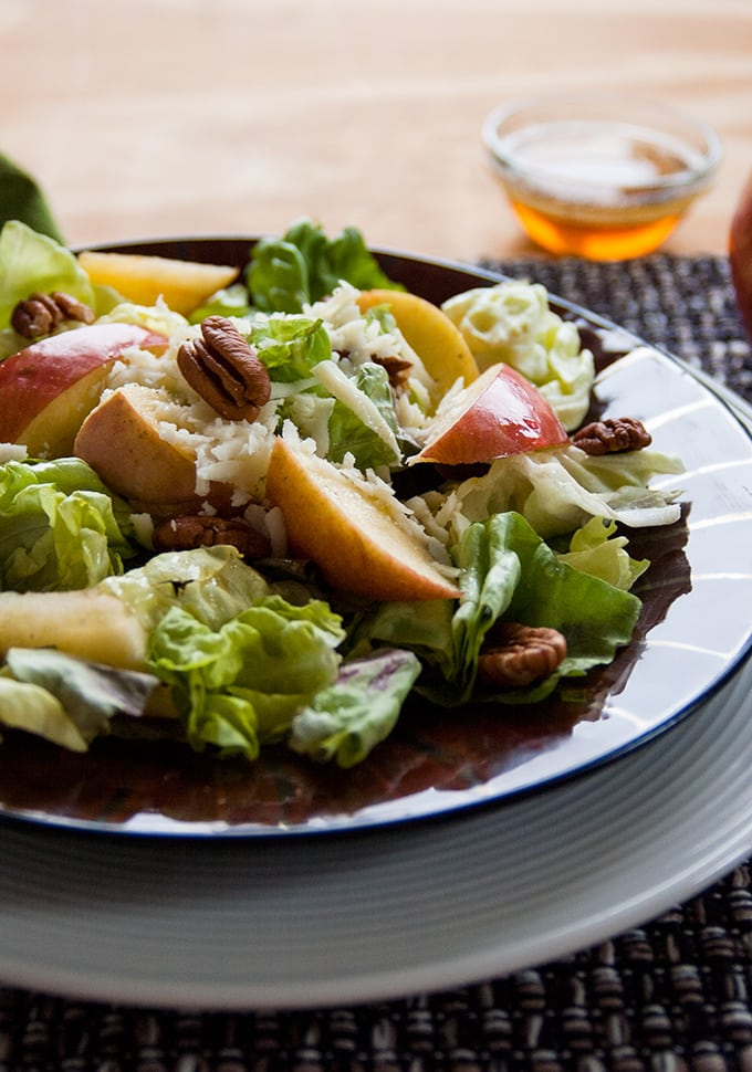Apple-Mozzarella-Pecan-Salad with Maple Vinaigrette | Healthy | Vegetarian | Gluten free