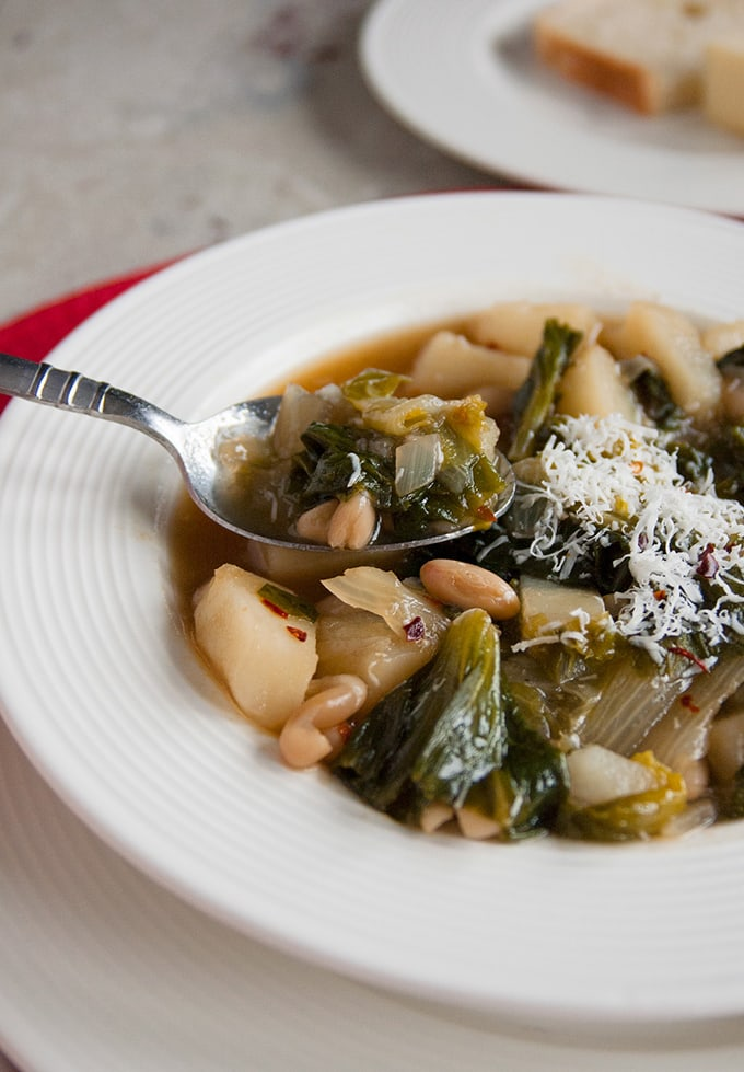 Tuscan White Bean Soup with Escarole and Potatoes | Vegetarian | Gluten free | Italian