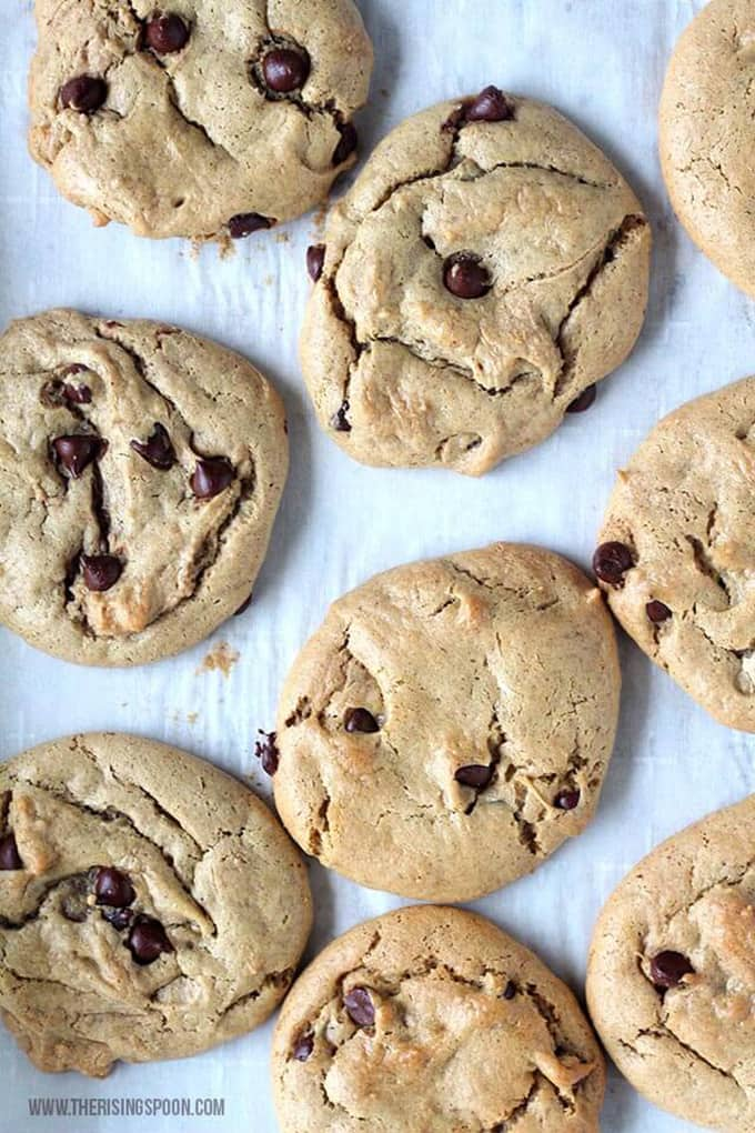 12 Easy Guilt-Free Desserts for Summer - Flourless Peanut Butter Cookies with Dark Chocolate Chips