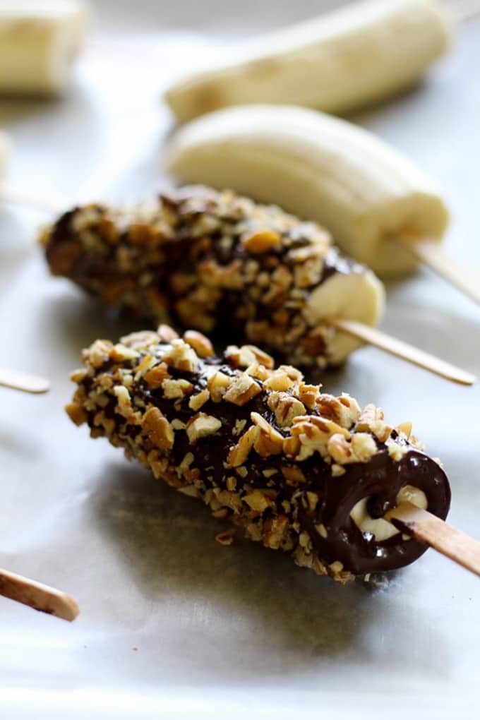 12 Easy Guilt-Free Desserts for Summer - Dark Chocolate Frozen Banana Pops