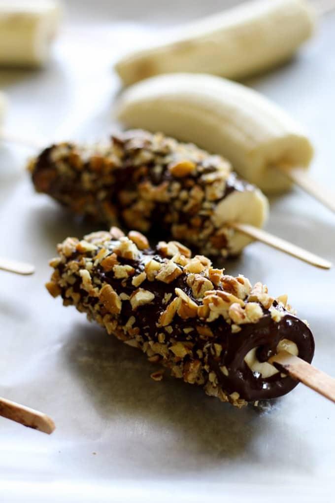 12 Easy Guilt-Free Desserts for Summer - Dark Chocolate Frozen Banana Pops