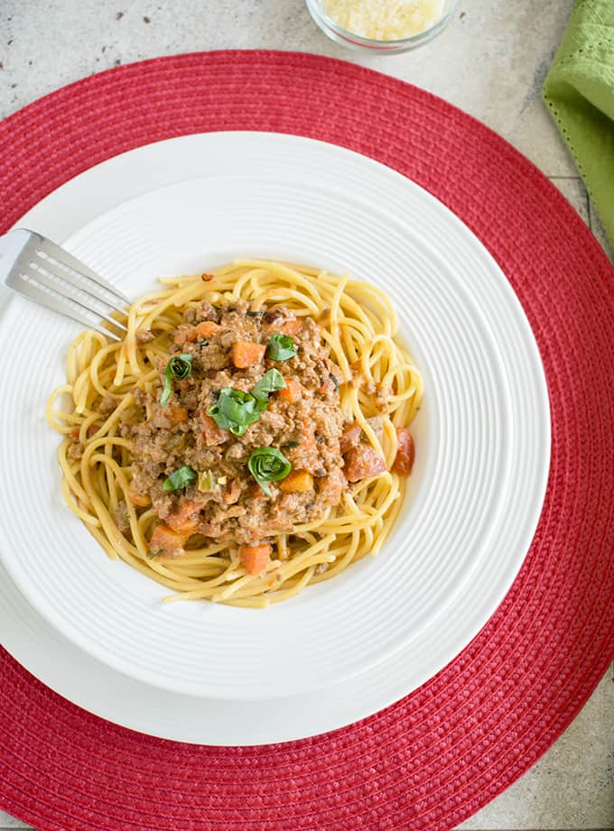 Spaghetti Bolognese - Made with half beef and half sausage, this sauce is fabulous! #bolognese #spaghettibolognese