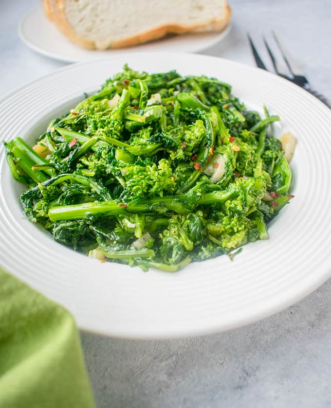Bowl of rapini (broccoli rabe) with garlic