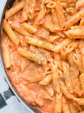 pan of pasta with vodka sauce