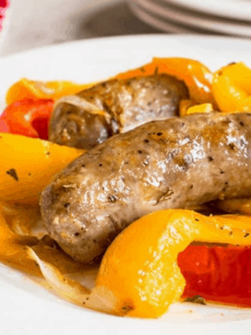 EASY SAUSAGE AND PEPPERS IN THE OVEN